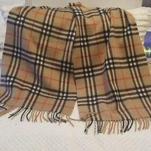 Vintage burberrys cashmere scarf